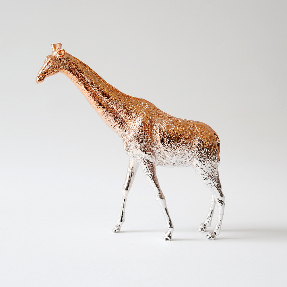 Giraffe X Paperweight (Rose gold)