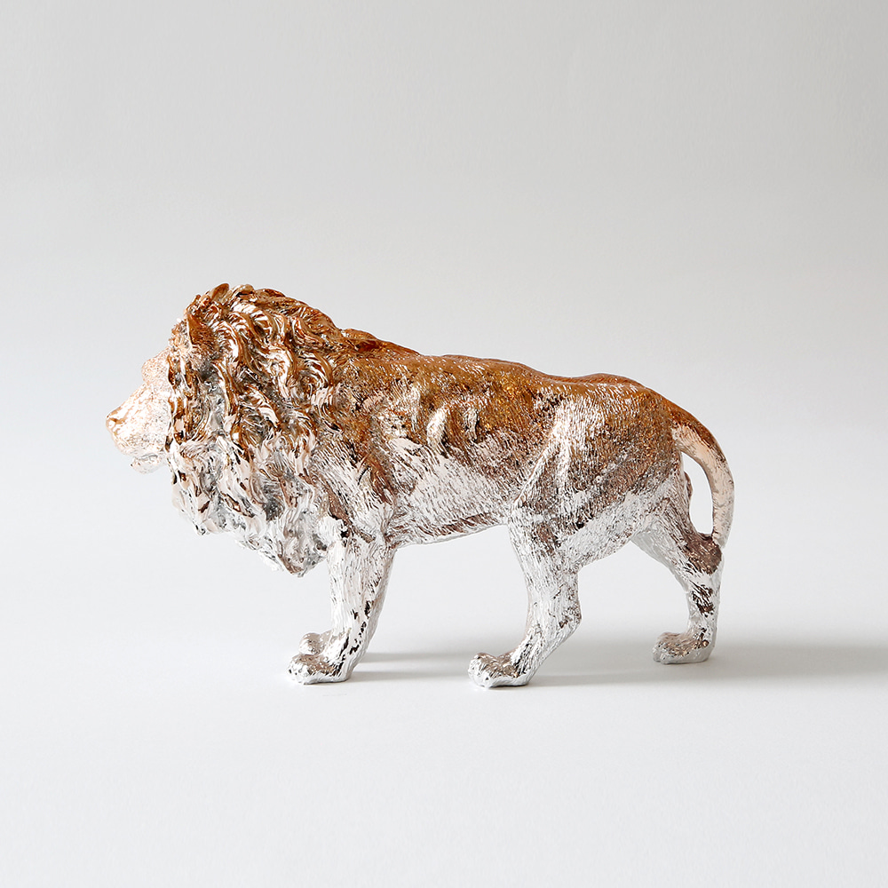 Lion X Paperweight (Rose gold)